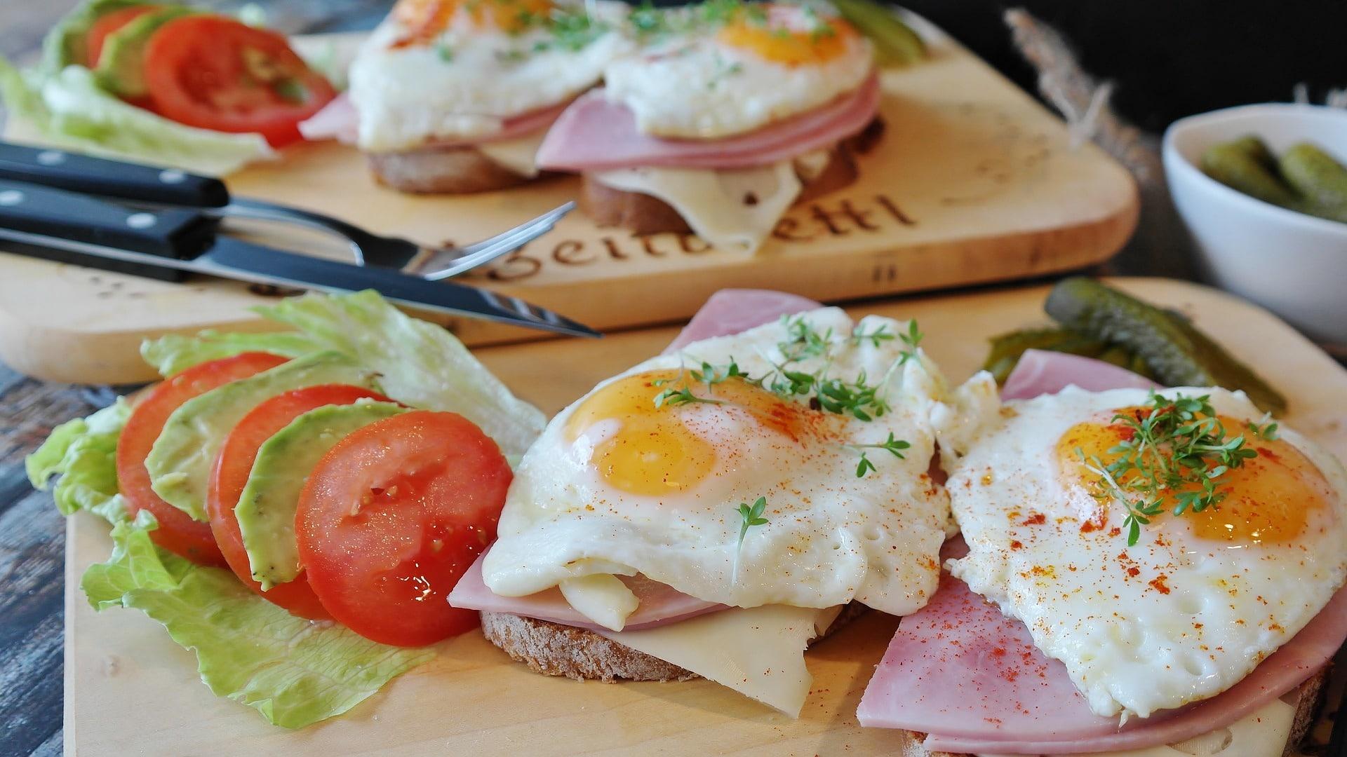 Ideálním zdrojem kvalitních bílkovin jsou vejce, dejte si je k snídani / foto: pixabay.com