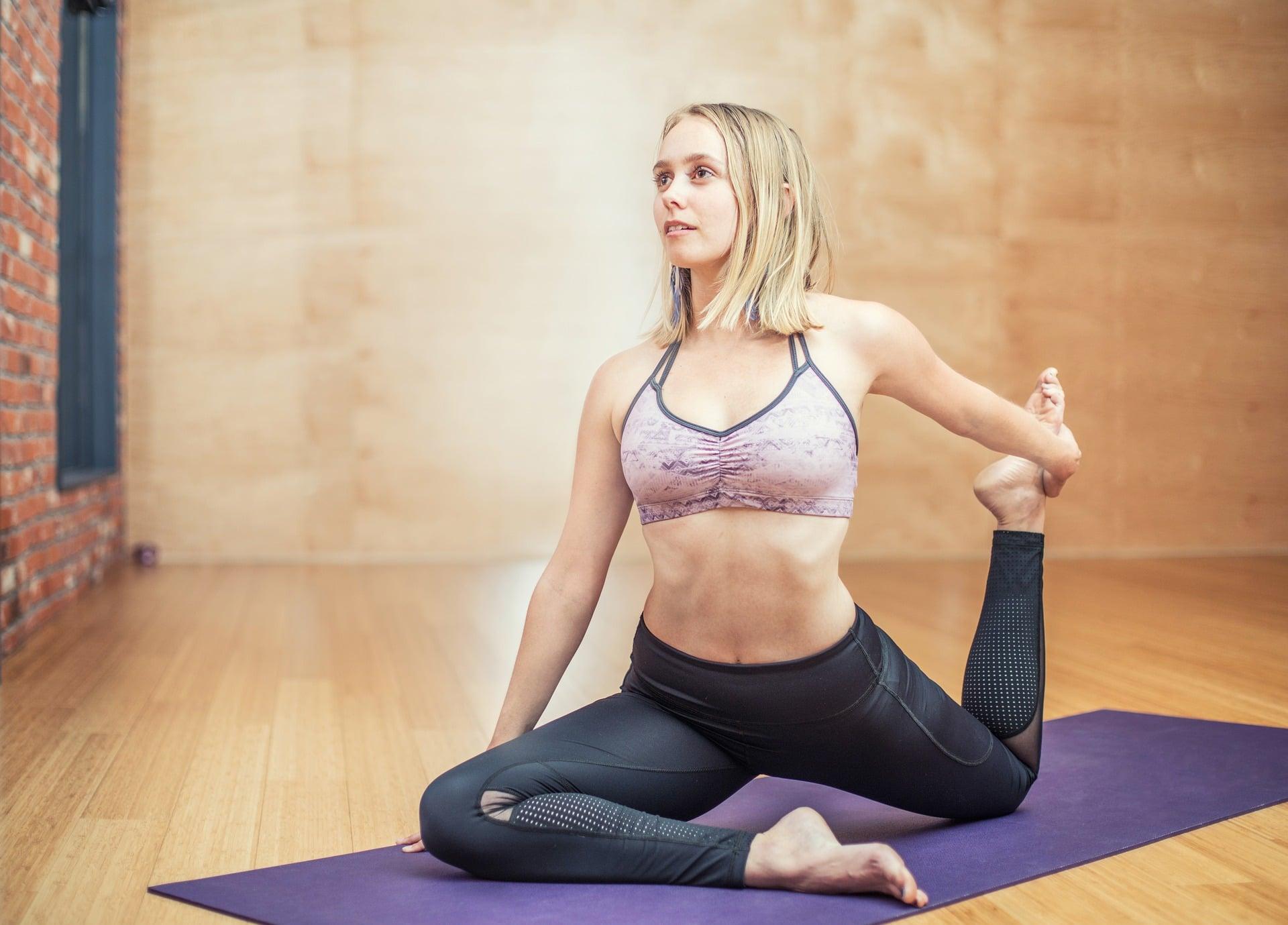 U většiny žen tělo začíná splaovat tuky z horní poloviny těla / foto: pixabay.com