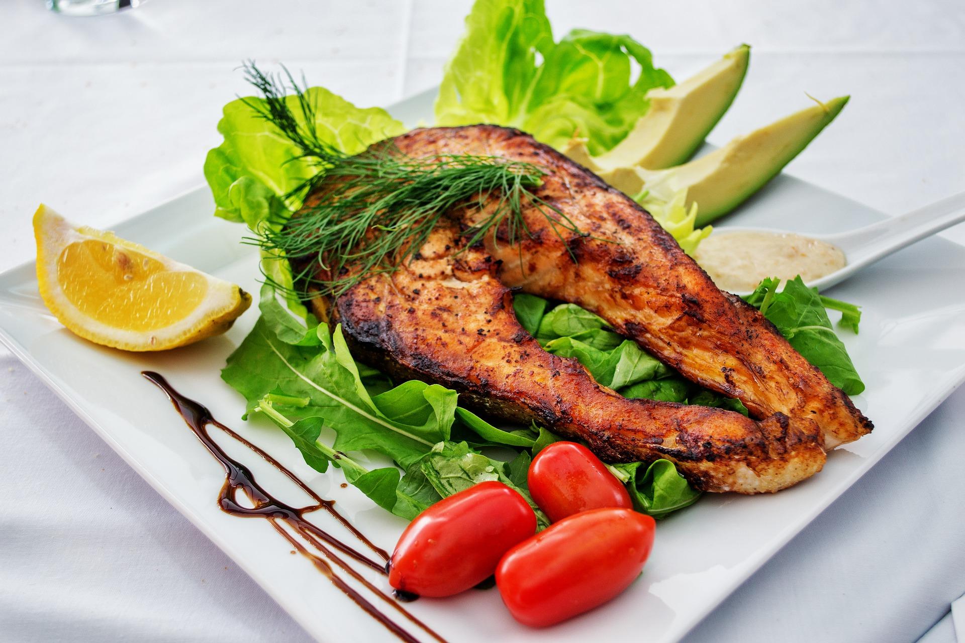 Ujistěte se, že každé jídlo obsahuje bílkoviny a zeleninu / foto: pixabay.com