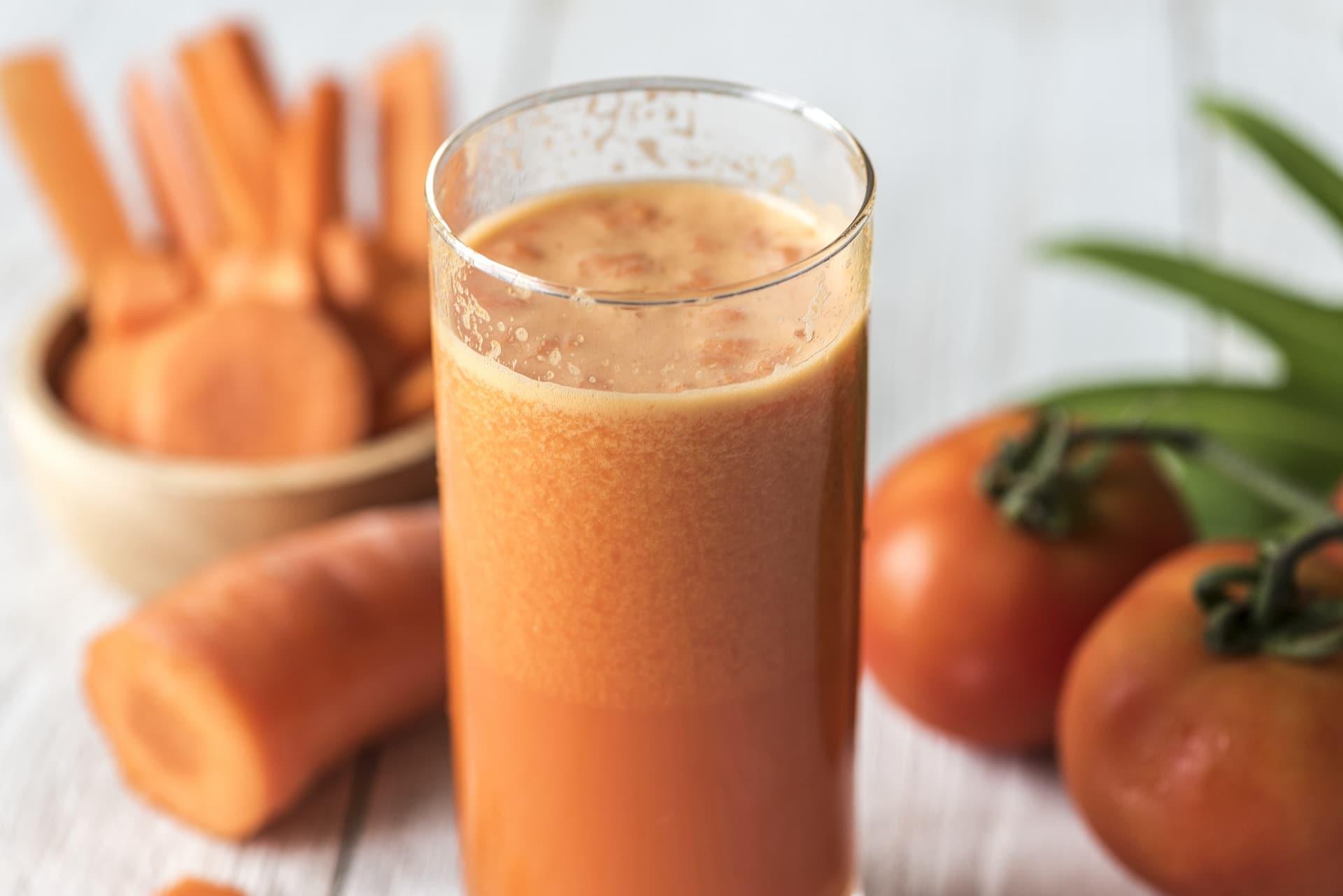 Čerstvá mrkvová šťáva má detoxikační, antioxidační, antiseptické a anitbakteriální účinky / foto: pixabay.com